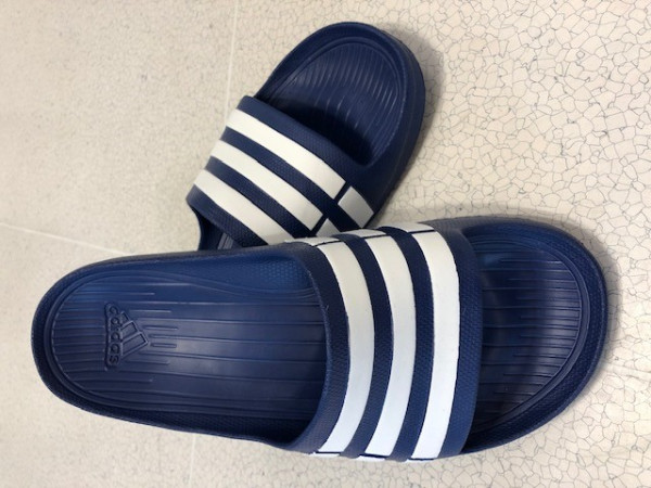Adidas Adilette Badeschuh Duramo, blau/weiß